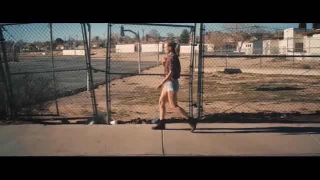 Anna Naklab ft. Alle Farben & YOUNOTUS — Supergirl видео