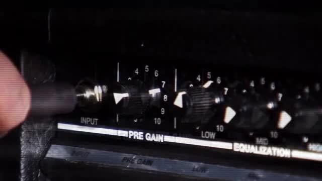 Eminem — Berzerk видео